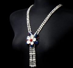 RWB Flower Brooch & Pearl Necklace